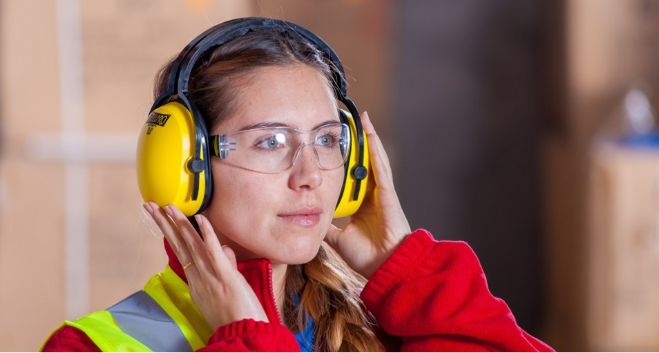 3 Women with clear safety glasses warehouse